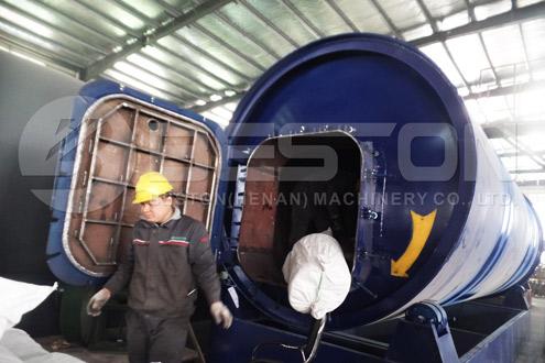 BLJ-10 Pyrolysis Equipment Was Shipped to Uganda