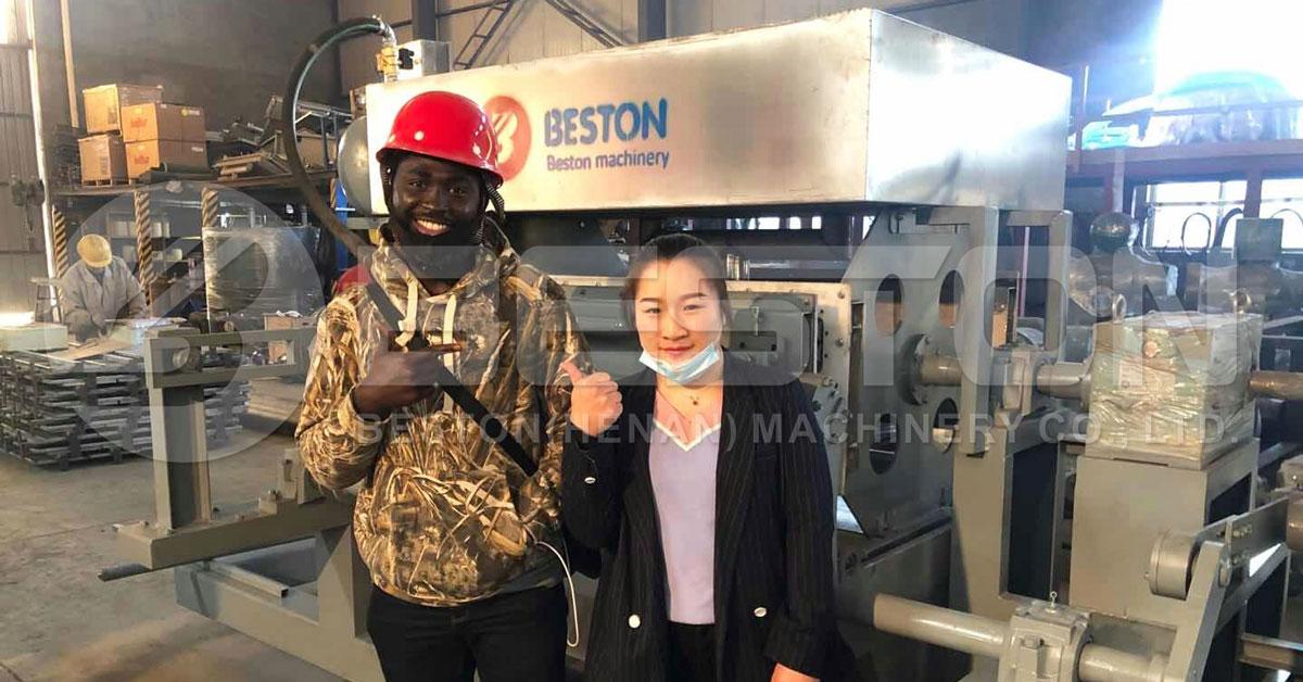 Bonne rétroaction pour Beston Plateau manuel d'oeufs faisant la machine du client nigérian