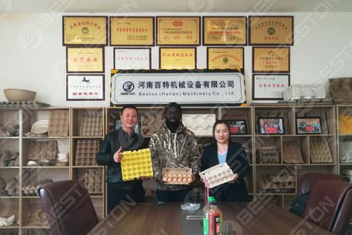 Customer Nigeria sunt Contentus charta Ovum Tray plene automatic Apparatus